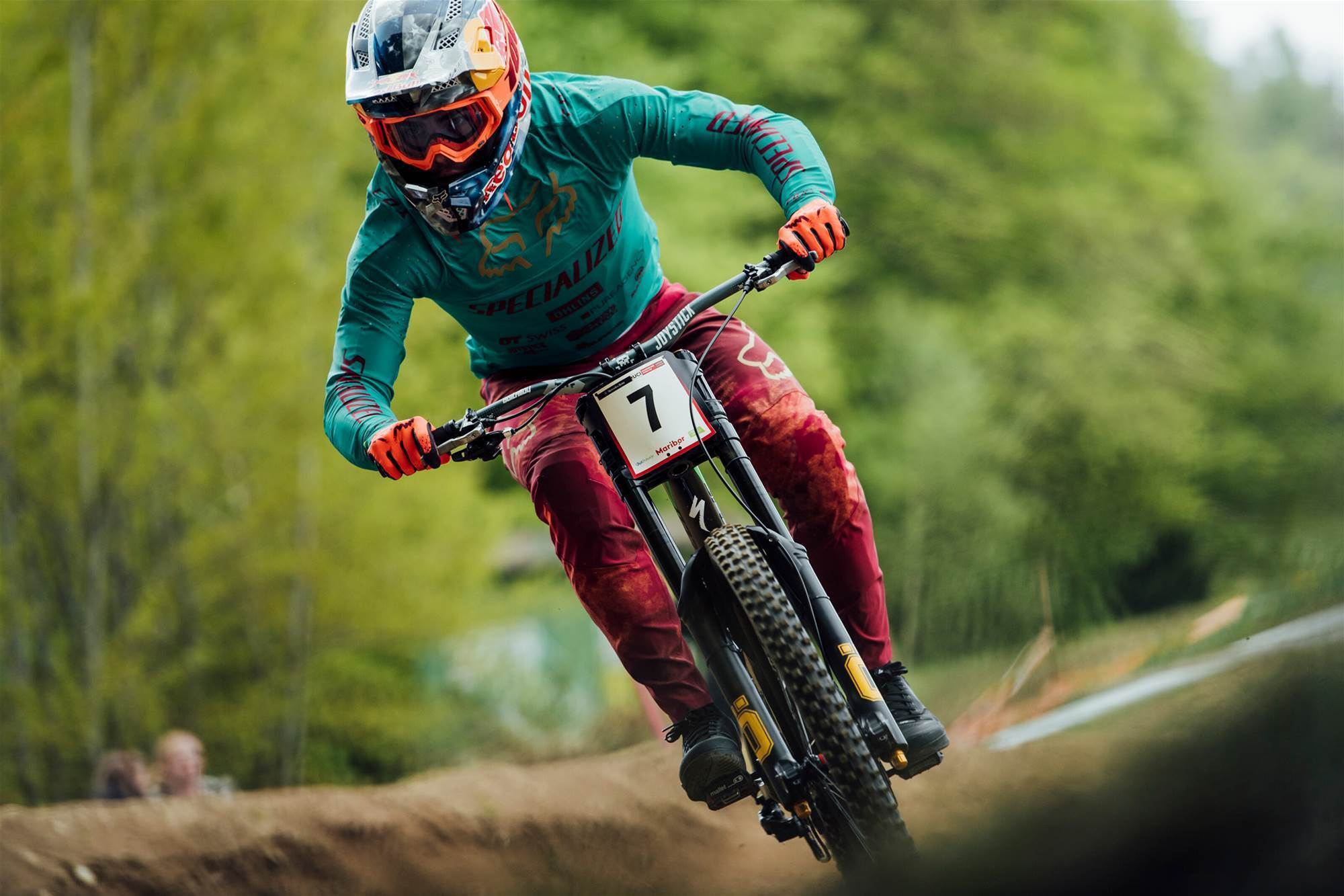 """Bruni leads World Cup DH with 29"""" front wheel"""