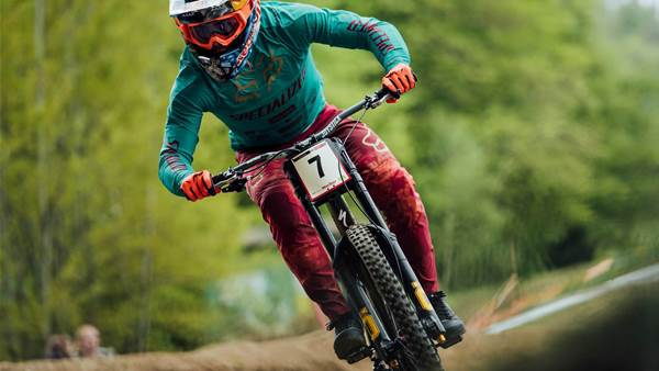 "Bruni leads World Cup DH with 29"" front wheel"