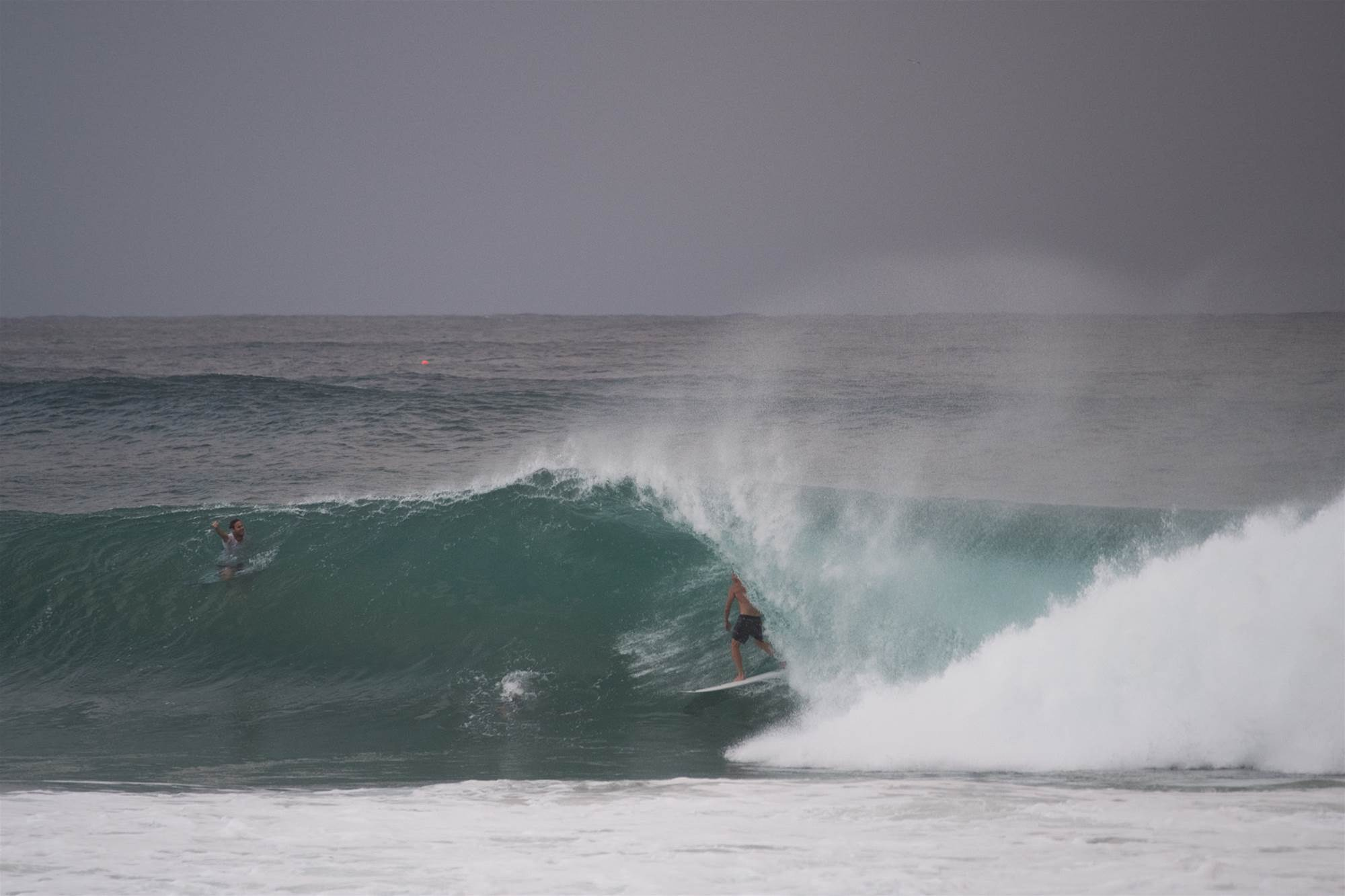 Gallery   This Morning's Epic Kirra Session