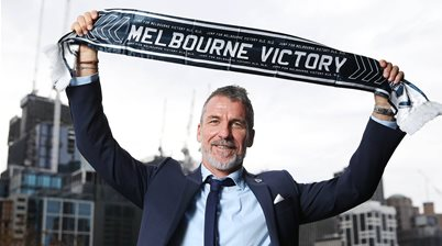 In pics: Kurz scarfs for Victory