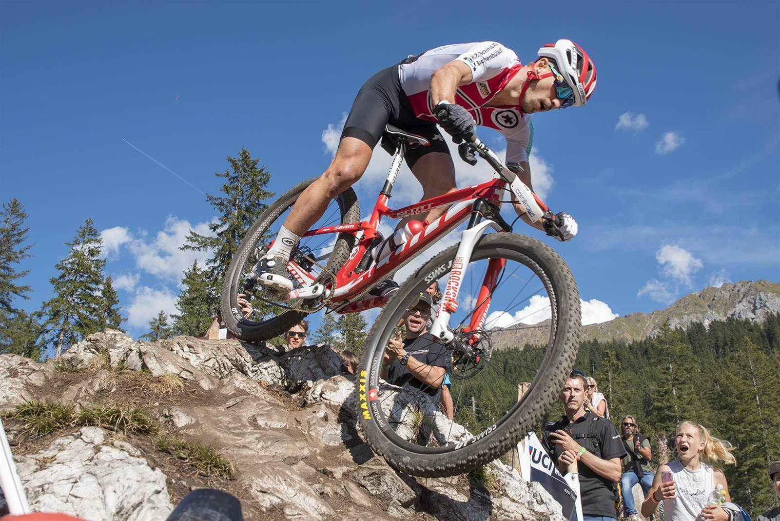 Courtney and Schurter win Elite XCO World Titles