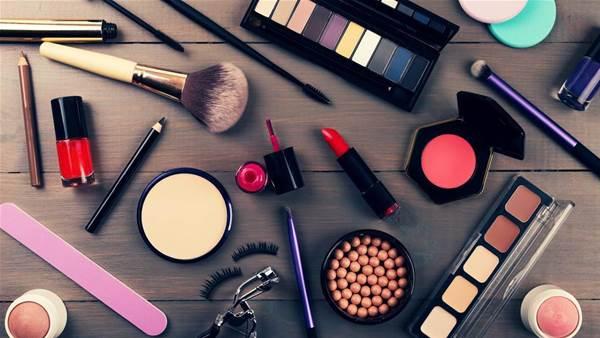 10 Make-up Tricks That Hide Wrinkles