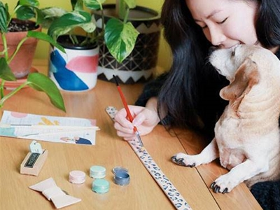 paint a collar for your pooch with this diy kit