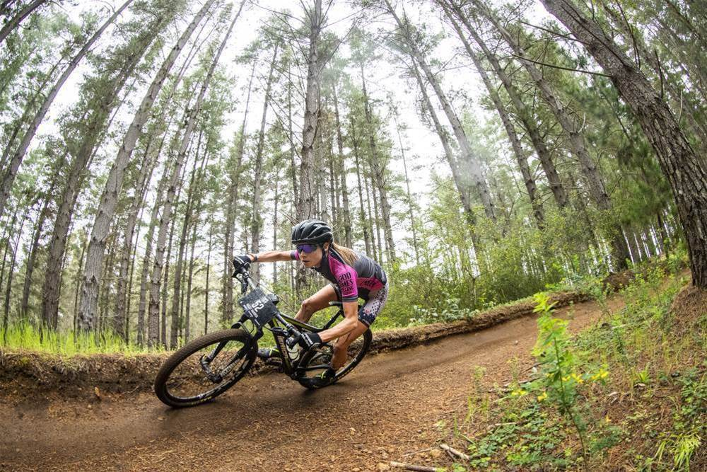 Leaders stay ahead on Cape to Cape Stage 3
