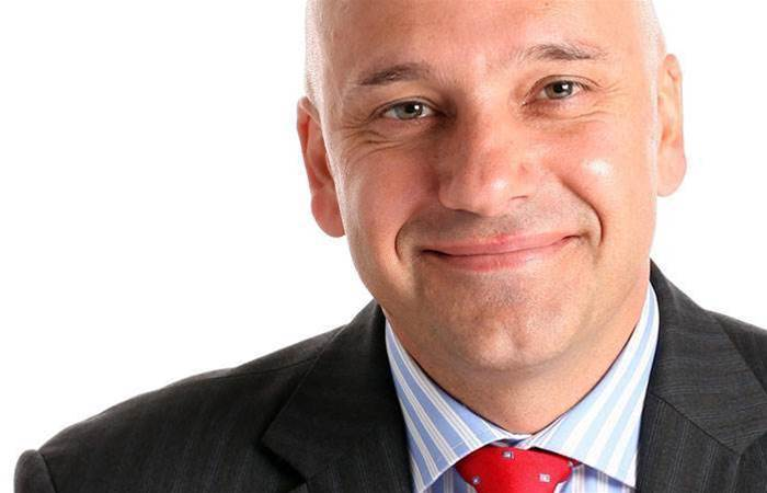 Red Hat channel boss departs