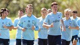 Exclusive: A-League's Brisbane Roar set to sign Sydney FC defender