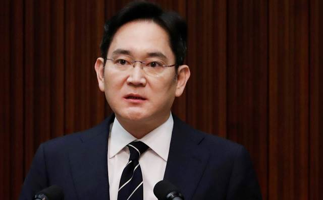 South Korea seeks arrest of Samsung heir Lee in succession probe