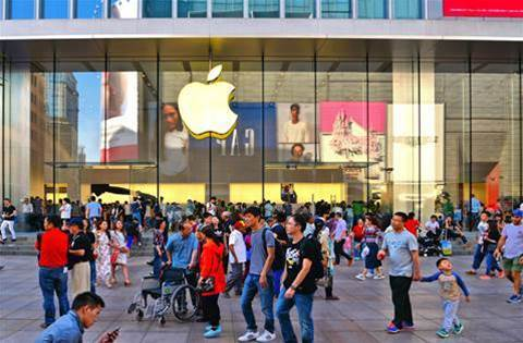 Apple sells fewer than 500,000 smartphones in China in February