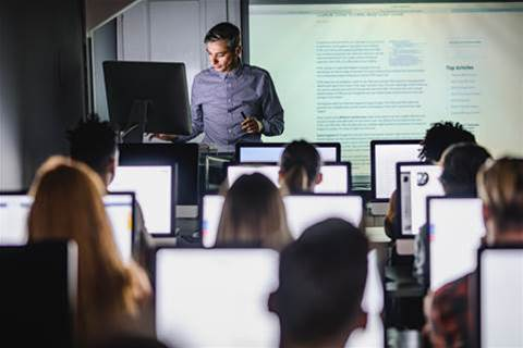 Deakin Uni frees up course on switching to digital education