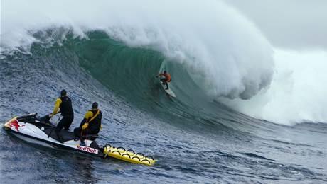 Waves That Mattered – Greg Long, Dungeons, 2008