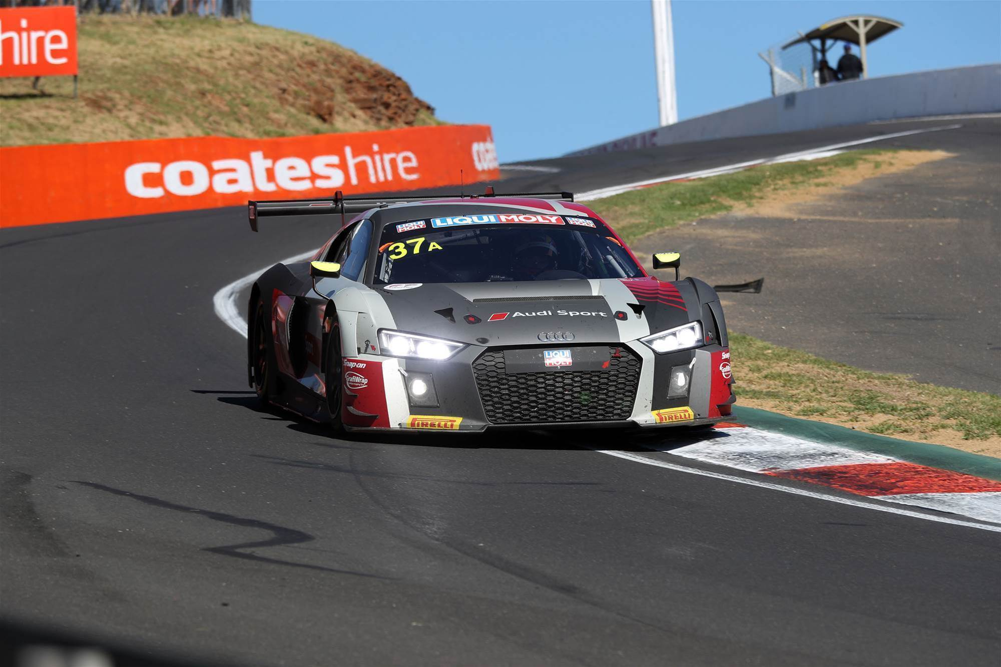 Audi wins crash shortened Bathurst 12 Hour