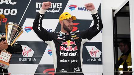 Van Gisbergen triumphs in chaotic Townsville Supercars