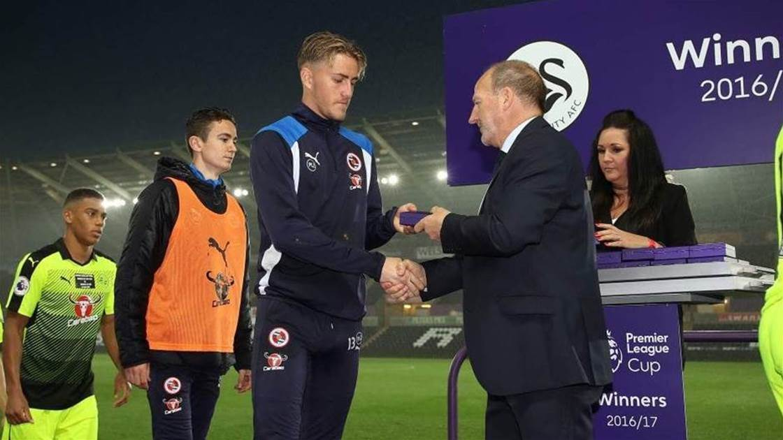 Aussie youngster re-signs with Championship club