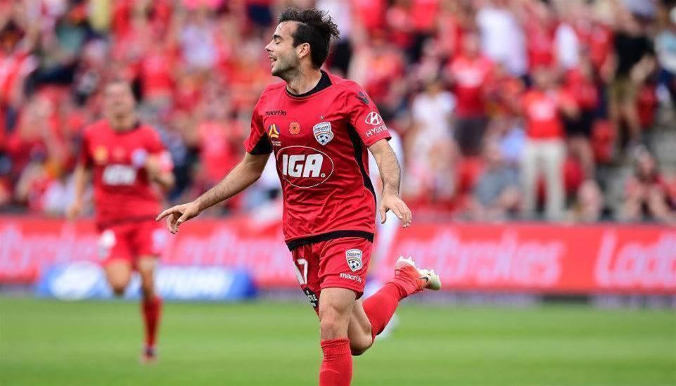 Adelaide United re-sign local trio