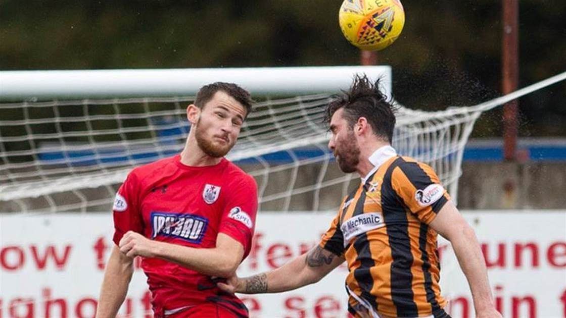Aussie defender re-signs with Greenock Morton