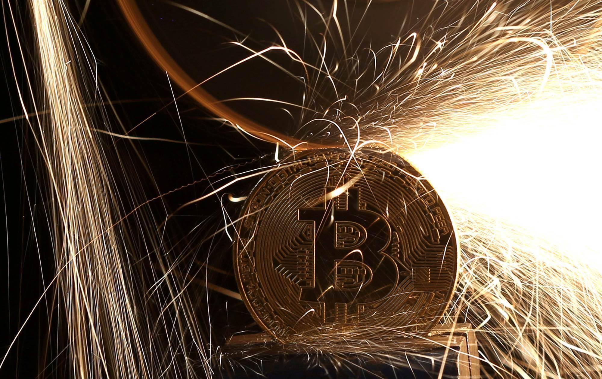 Bitcoin slumps below US$10,000 after losing half its value