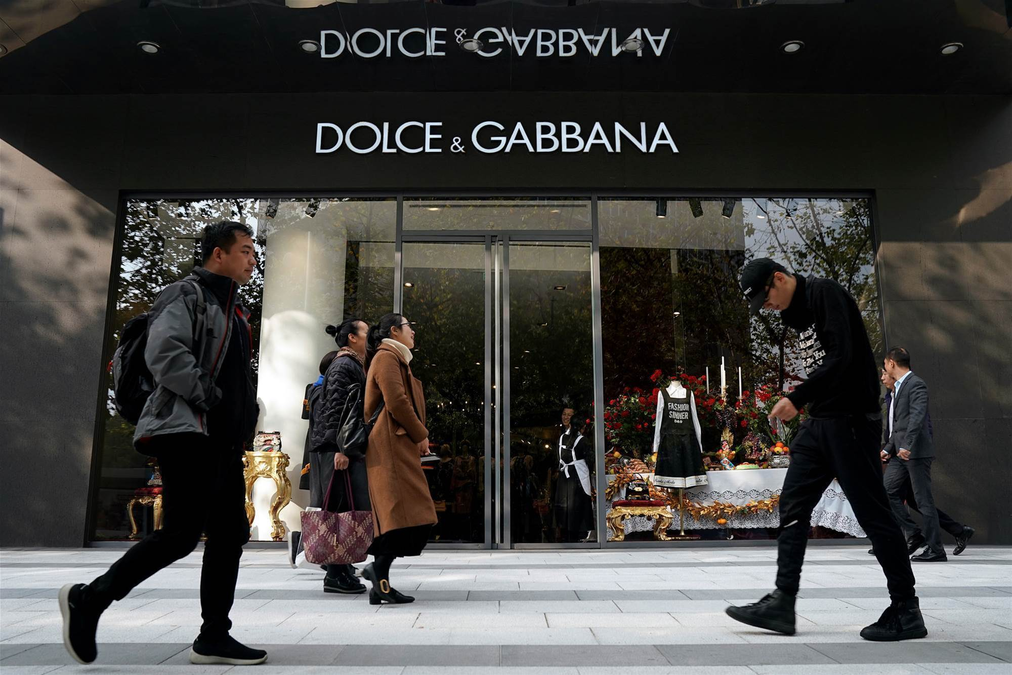 Chinese online shopping sites ditch Dolce & Gabbana in ad backlash