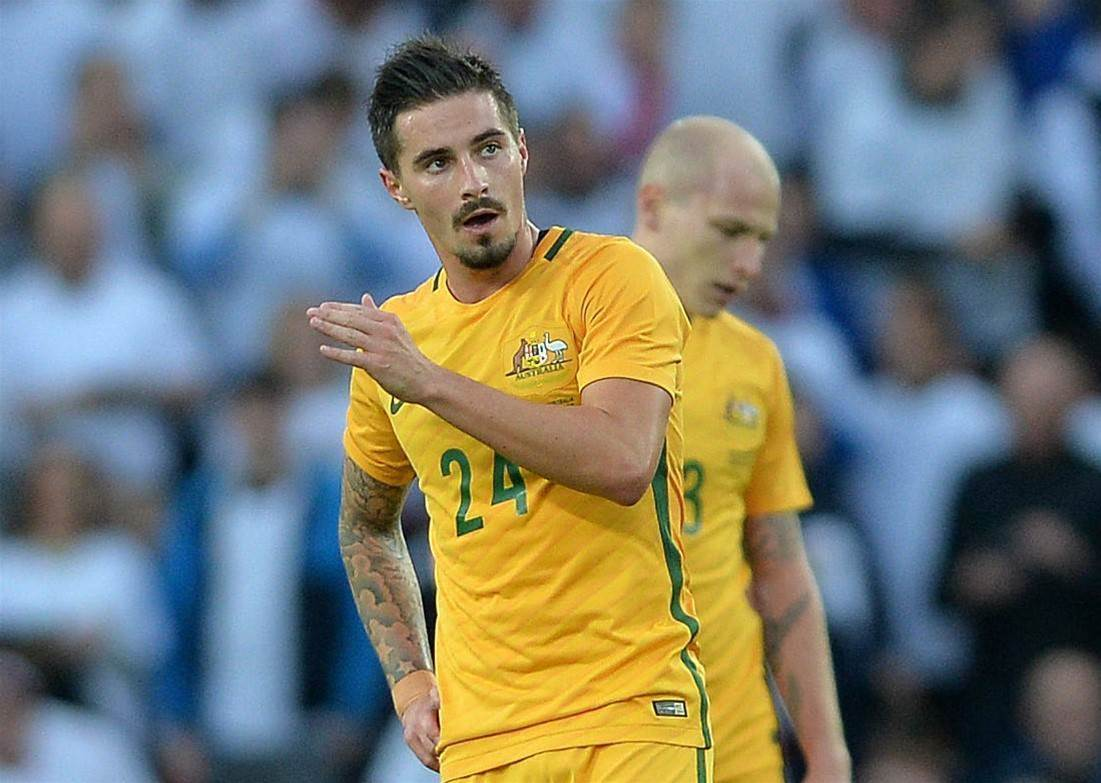 Maclaren wants Roos call-up after signing with Hibernian