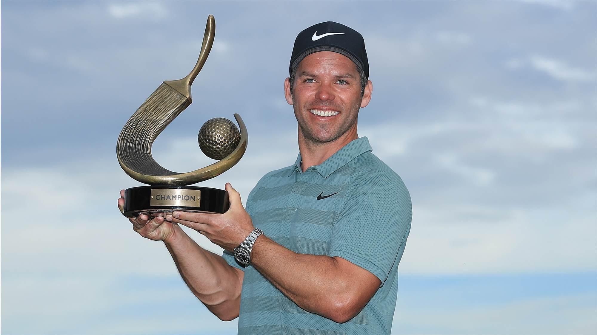 Casey upstages Tiger Woods to win Valspar