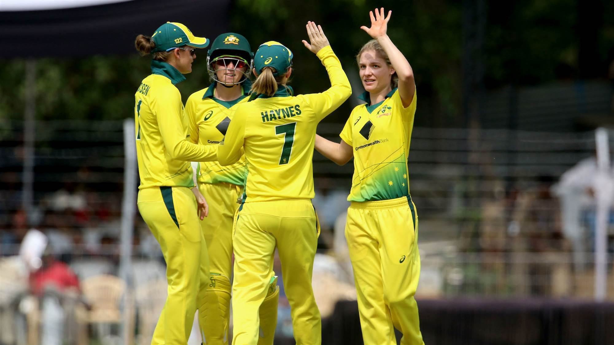 Australia smash England in Tri-Series Final
