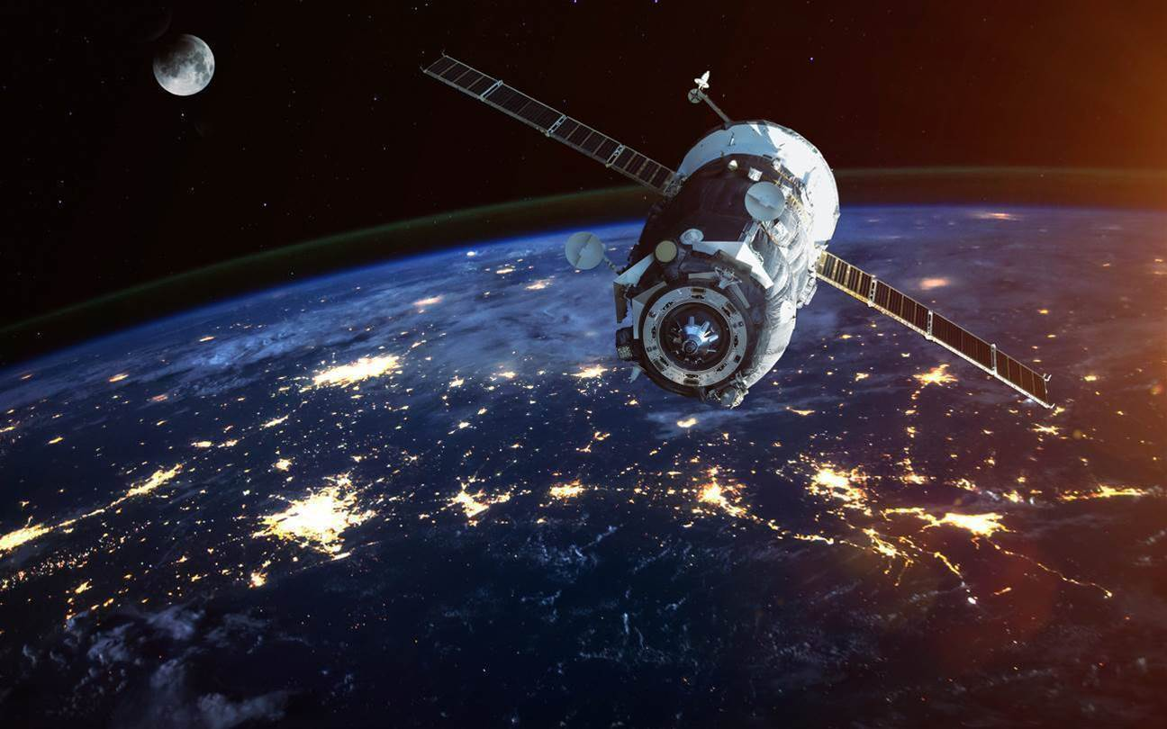 SpaceX gets green light for satellite broadband plans