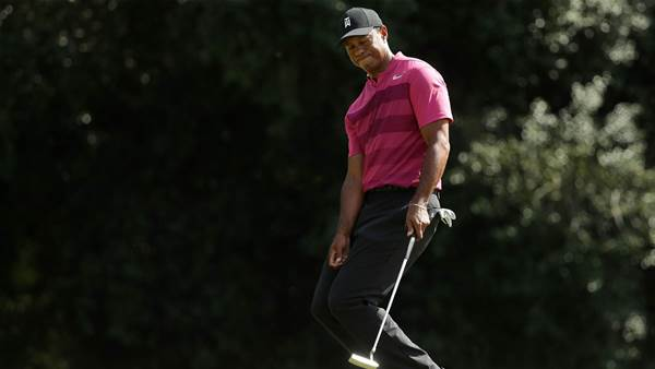 Putting woes slow Woods at Quail Hollow