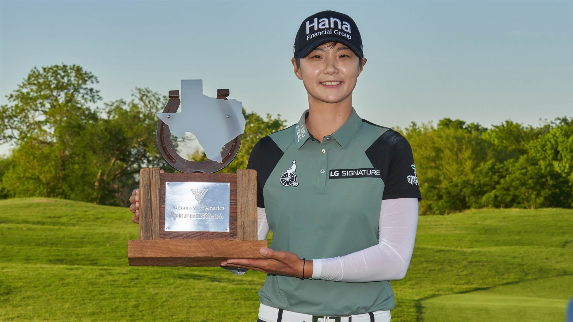 Park chips in to claim the LPGA Texas Classic