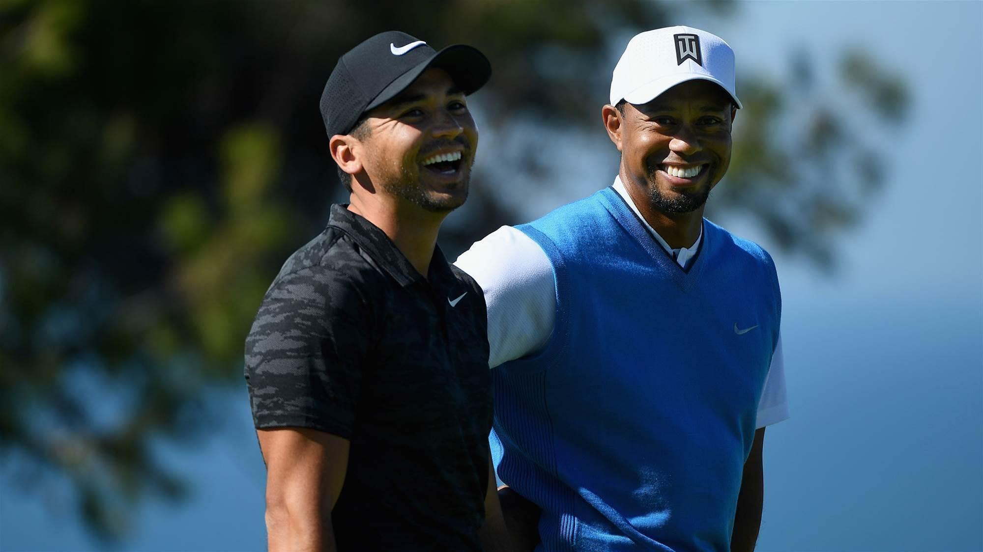 Tiger backs Day to regain golf's No.1 spot