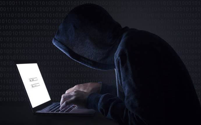 """FBI warns """"hundreds of thousands"""" of routers hacked by Russians"""