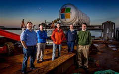 Microsoft drops data centre into the ocean