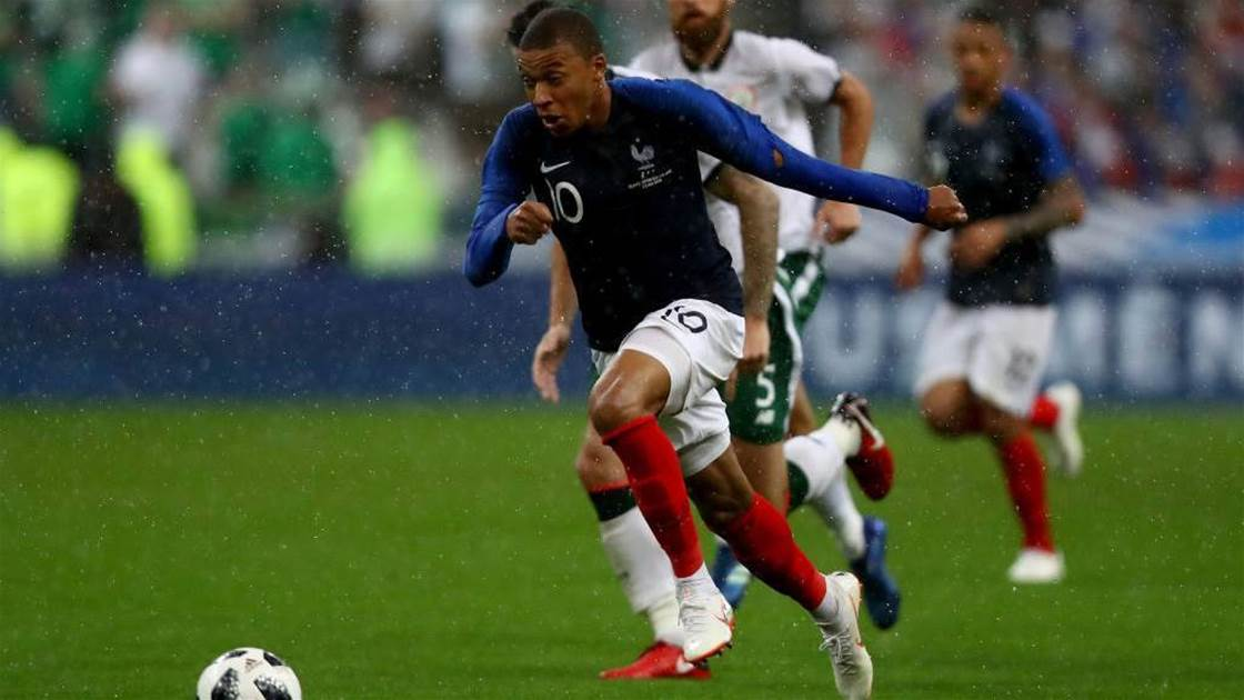 Mbappe suffers injury scare