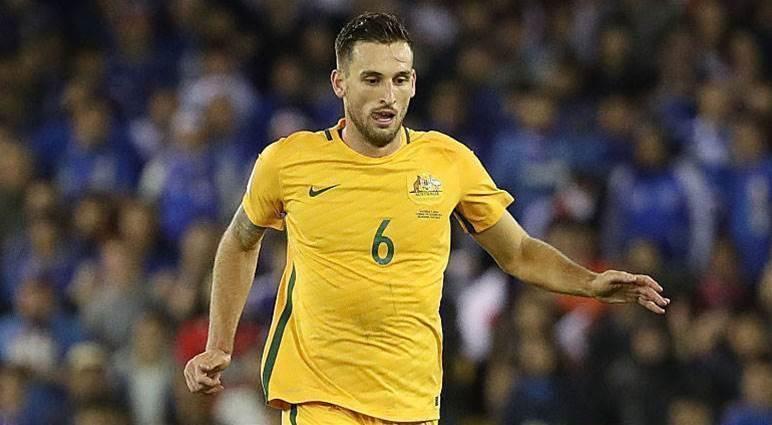 Perth Glory snare Socceroo Spiranovic