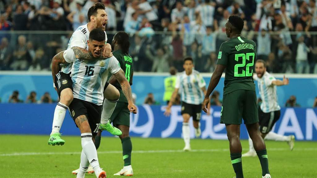 Argentina through to round of 16 after beating Nigeria 2-1