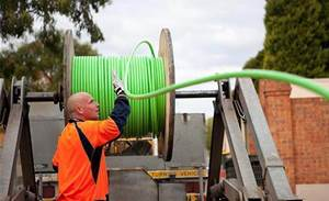 Govt wants broadband tax passed this year