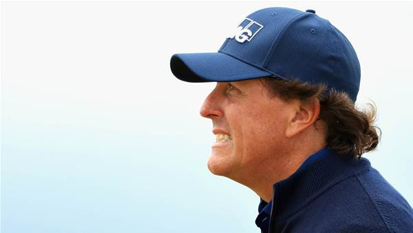 Mickelson vows to improve course behaviour
