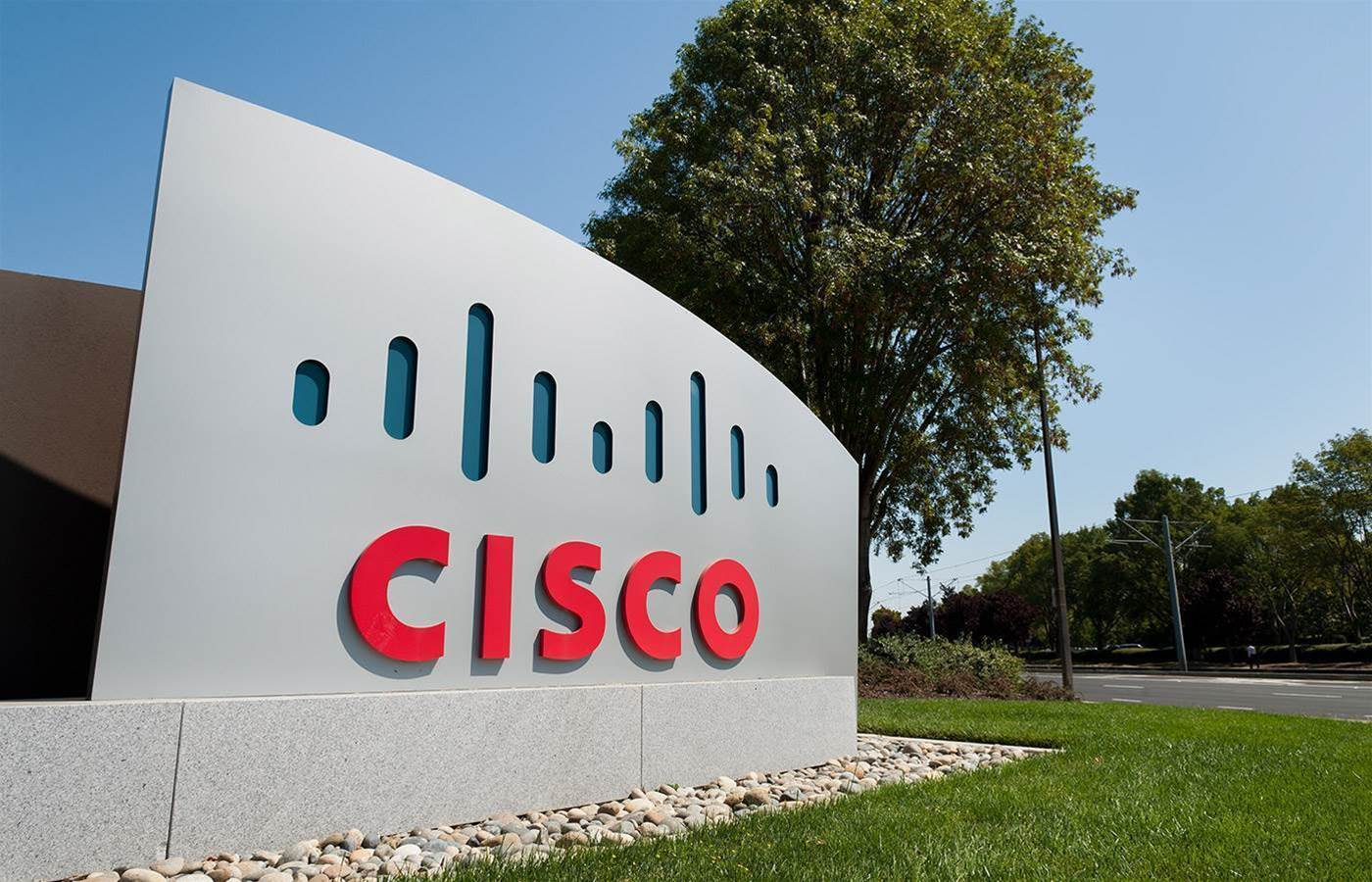 Cisco shares hit as Amazon reportedly develops network switches