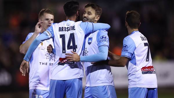 FFA Cup: Sydney survive scare, Mariners sink
