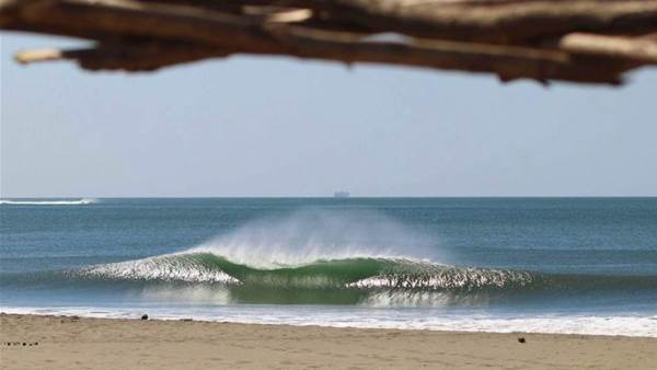 Can the 'Airwave' Turn Closeouts Into Barrelling A-frames?