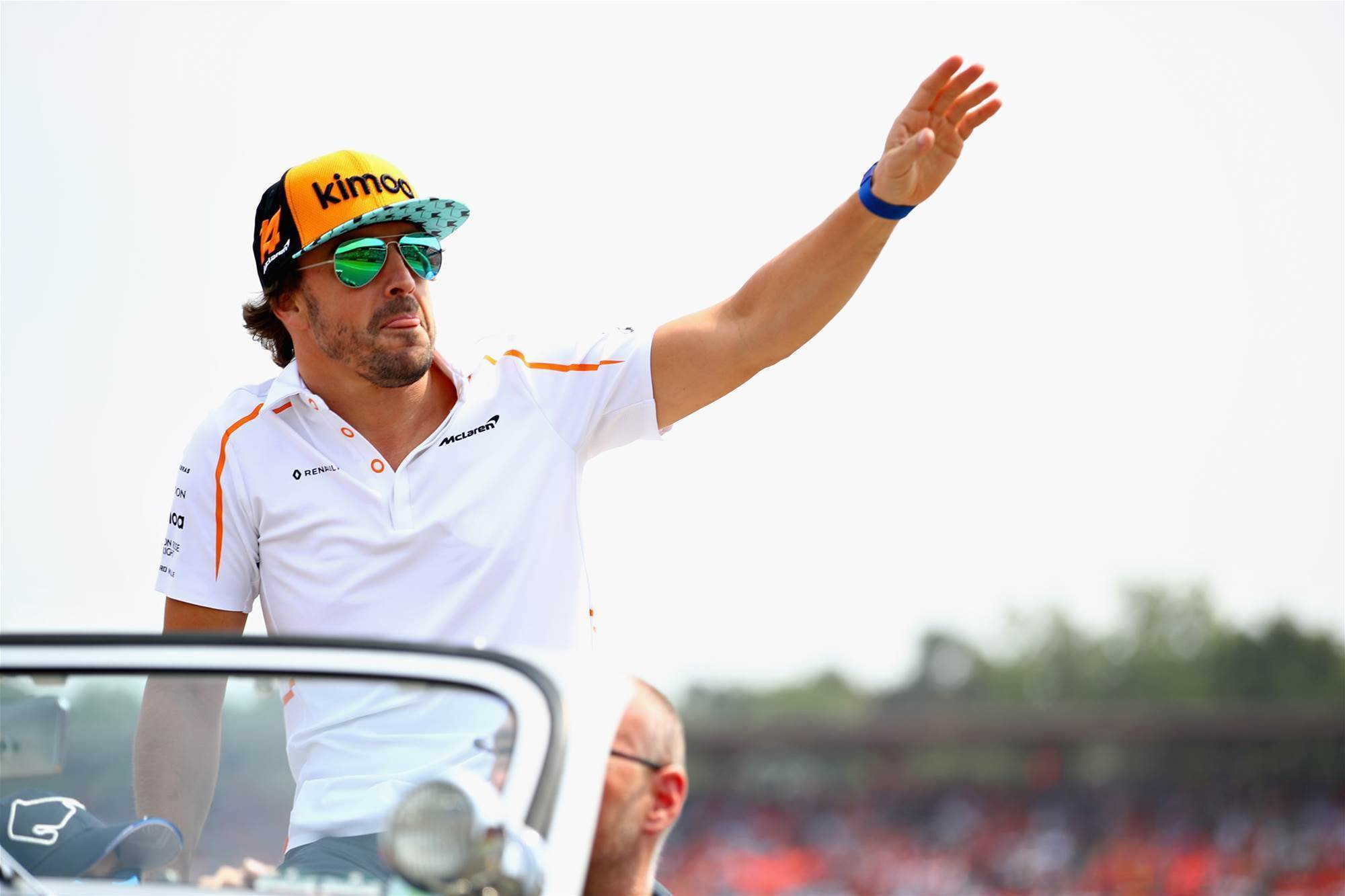Alonso quits F1
