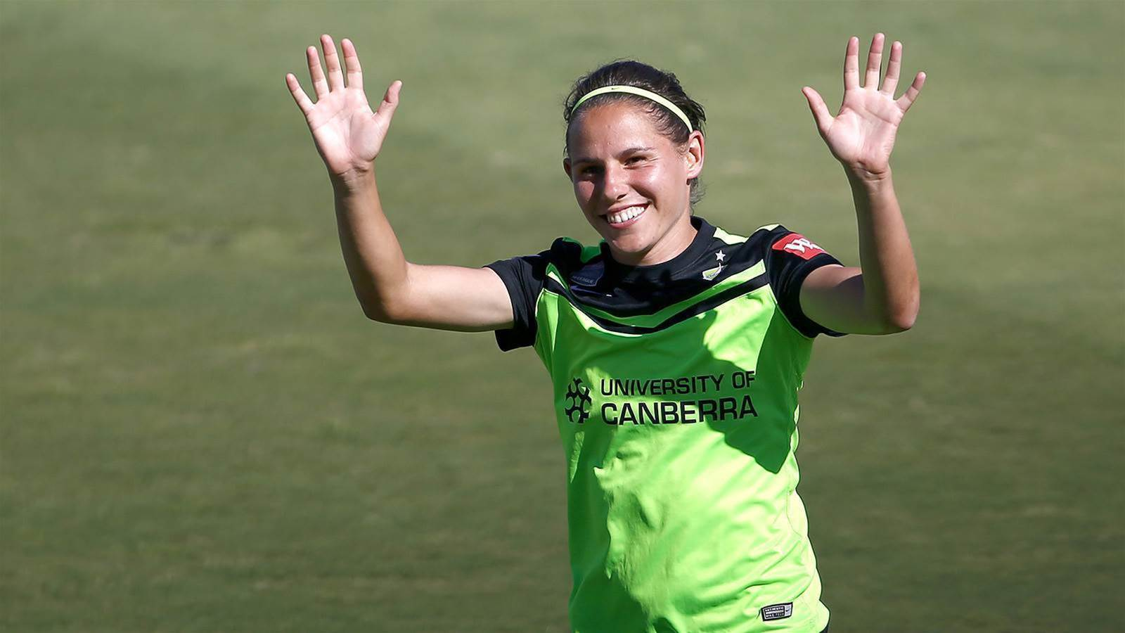 Sykes back at Canberra United