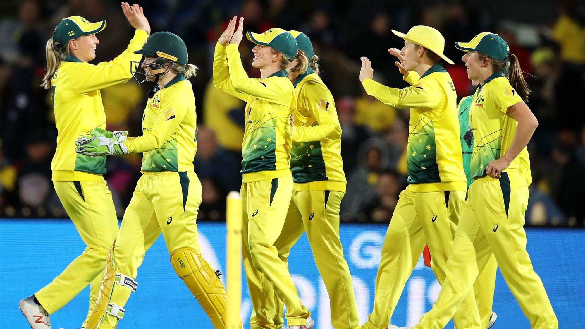 Australia recover from shaky start to cruise to victory