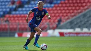 EvE back on loan for the Jets