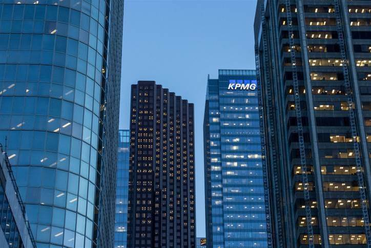 KPMG ditches leases, dashes to device-as-a-service