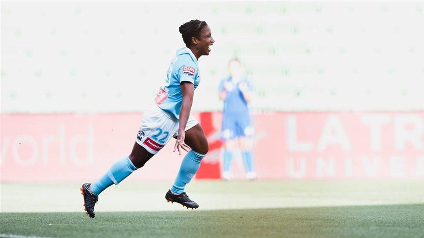 Spencer hat-trick stuns Sydney FC