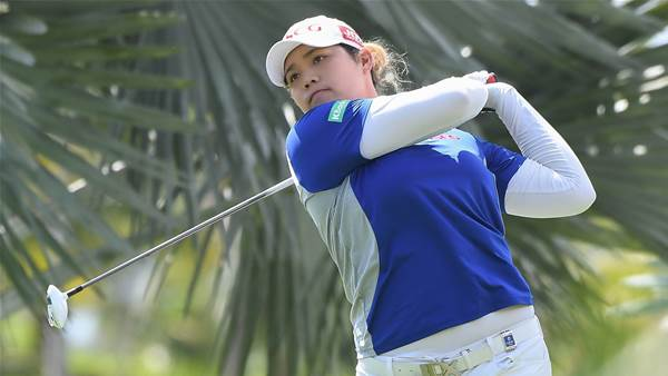 Ariya Jutanugarn surges clear at Blue Bay