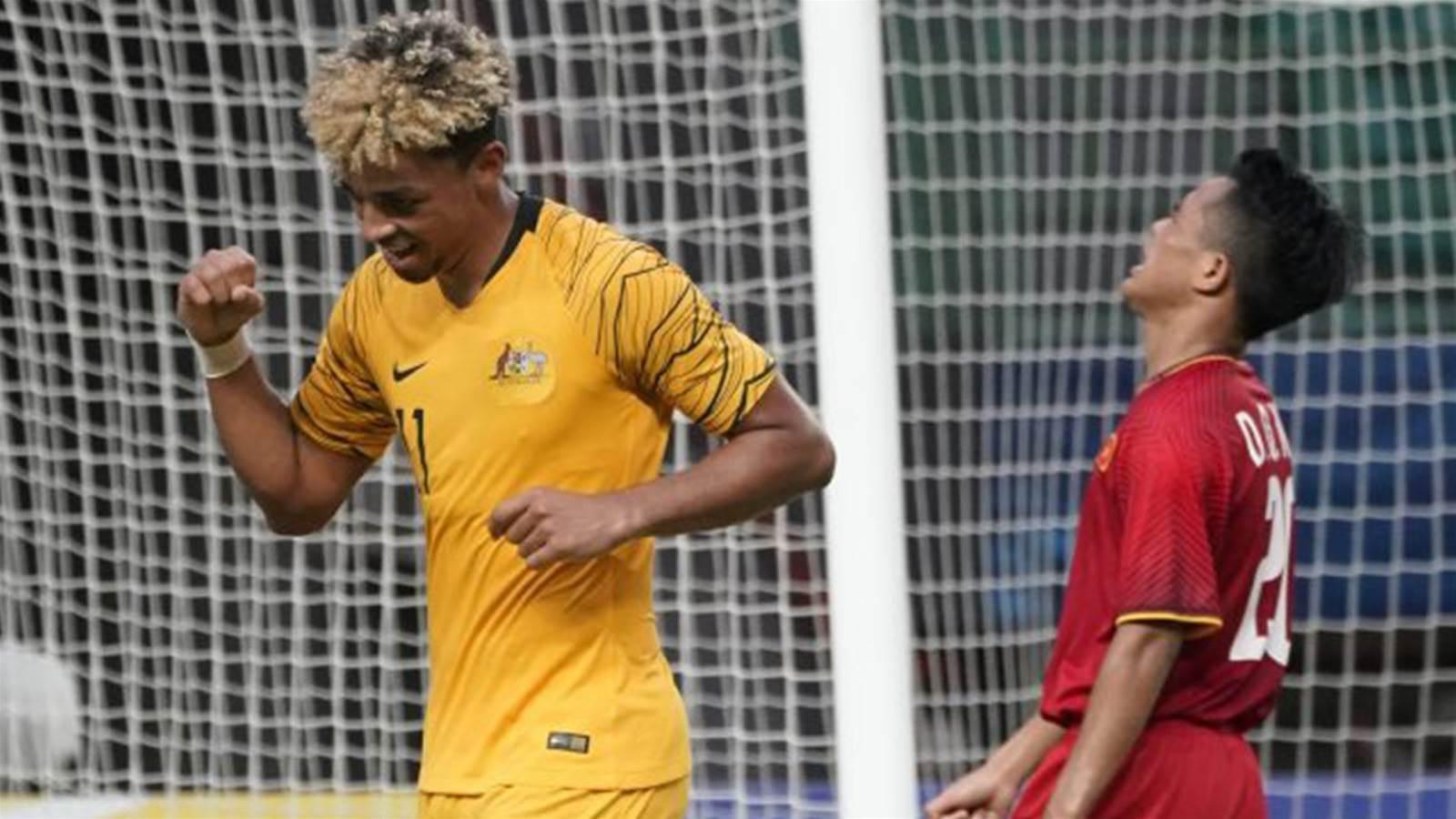 Aussie striker Folami fires Ipswich top