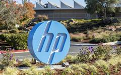 HP tops revenue estimates with PC sales growth
