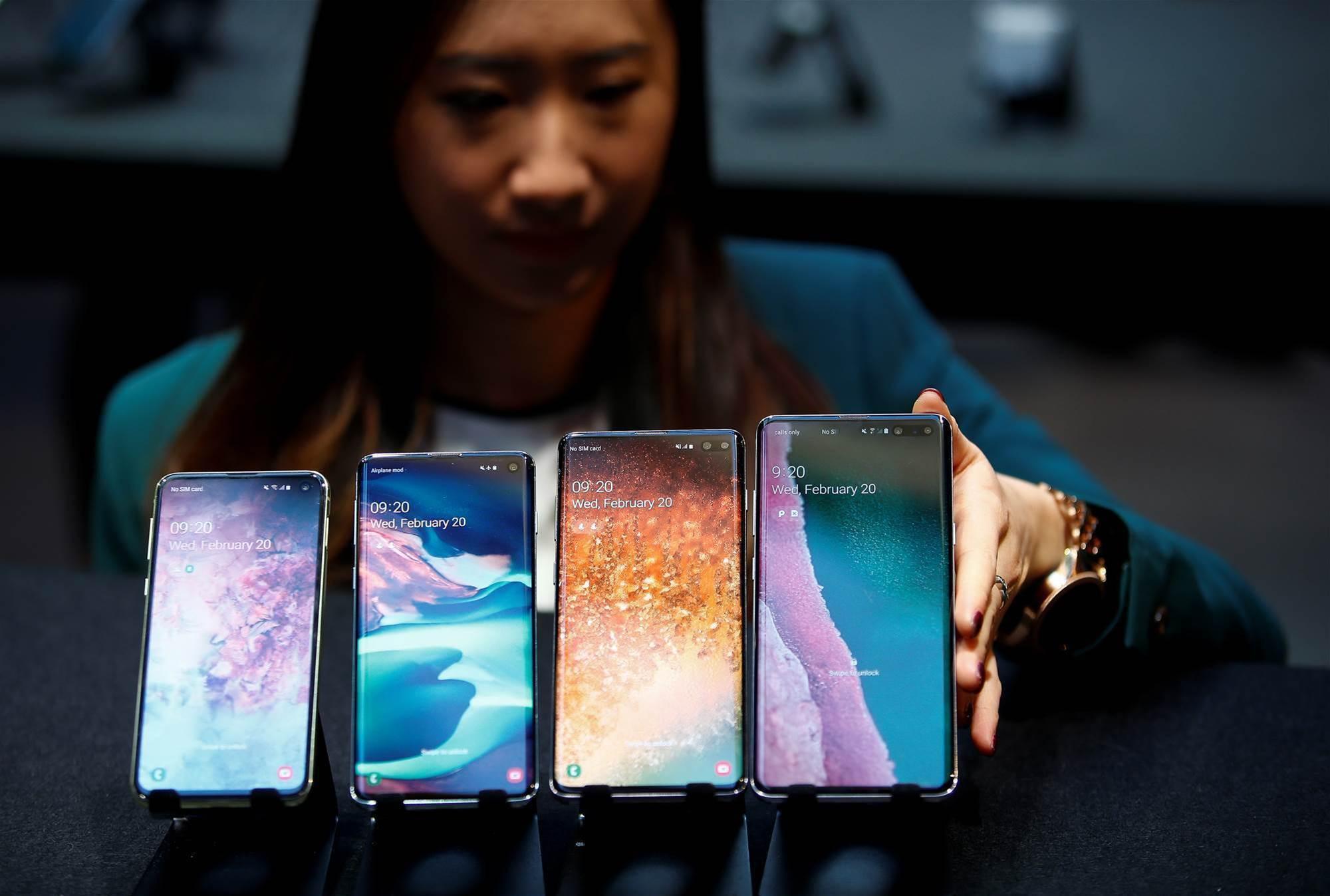 Samsung reveals 5G folding phone