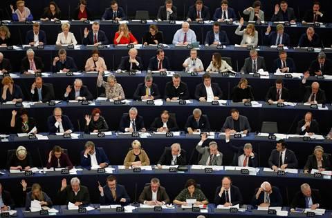 EU lawmakers back copyright reforms targeting Google, Facebook