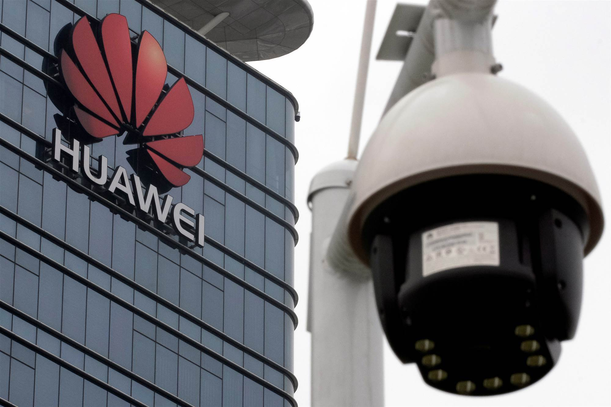 EU demands scrutiny of 5G risks but no bloc-wide Huawei ban